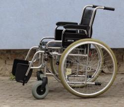 05-Mechanický invalidní vozík Meyra.