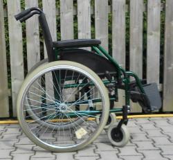 024-Mechanický invalidní vozík Meyra,