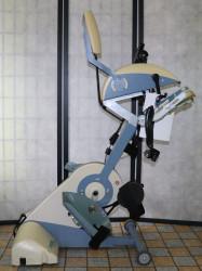 Rehabilitační přístroj Thera-Vital , na nohy a ruce.